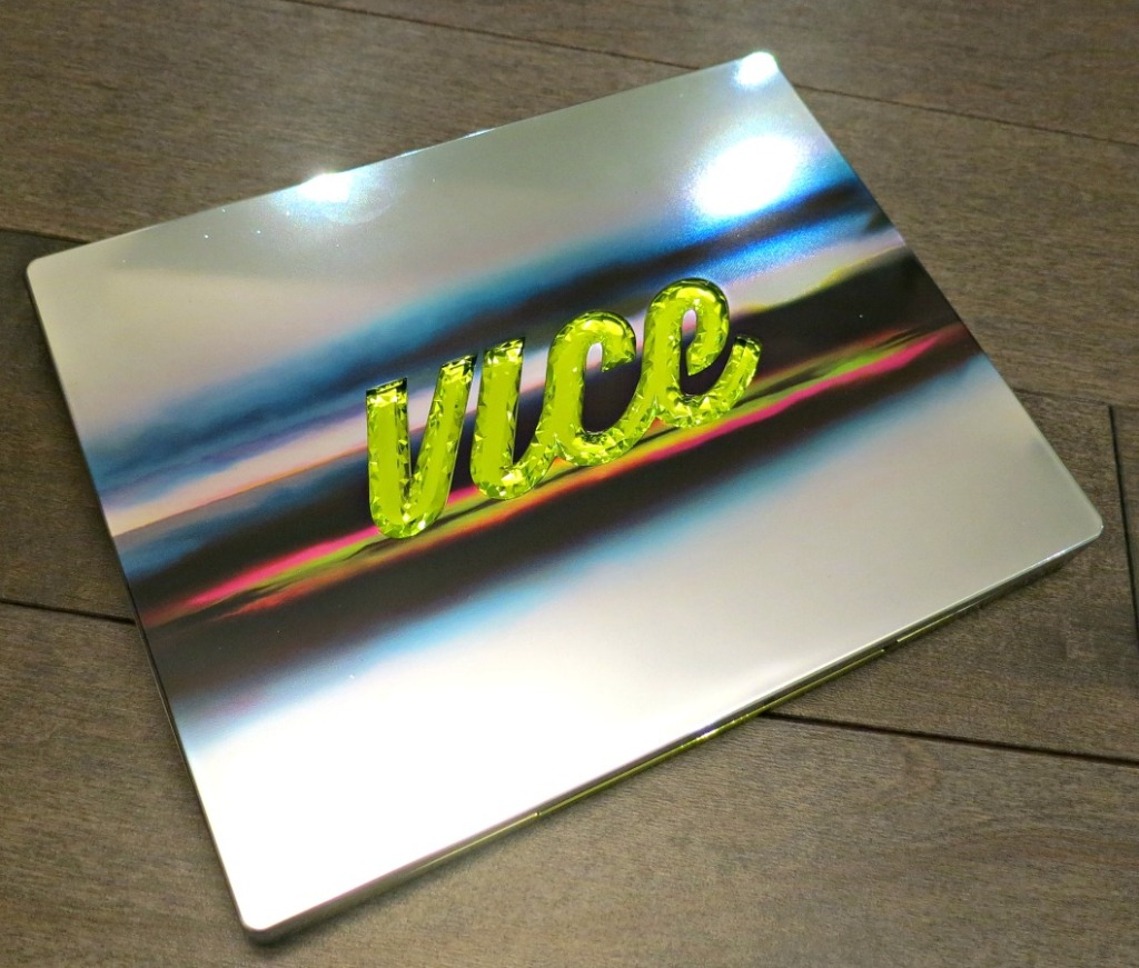 holiday-gift-sets-urban-decay-vice-palette-2