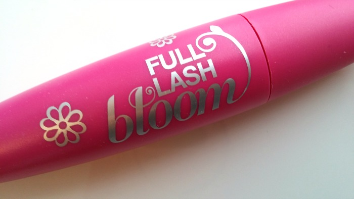 Valentine's 2015 - Covergirl Full Lash Bloom Mascara // Toronto Beauty Reviews