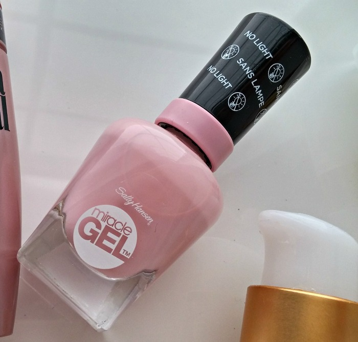 Blushing Bridal Beauty Sally Hansen Miracle Gel Pinky Promise