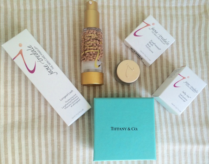 Mother's Day Gift Idea: Jane Iredale Makeup and Tiffany Necklace // Toronto Beauty Reviews