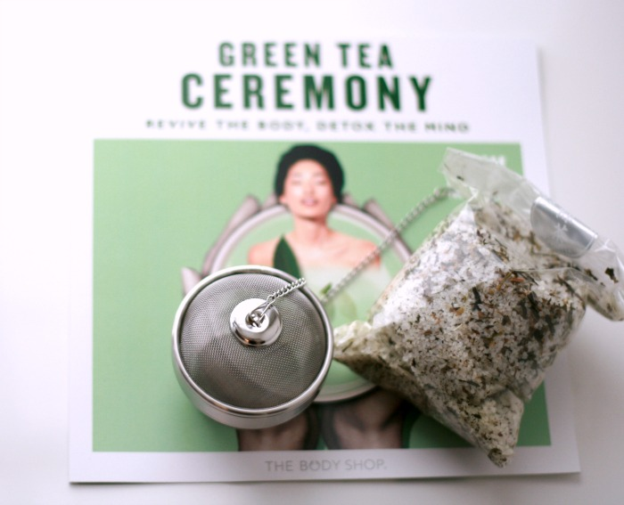 The Body Shop Fuji Green Tea Collection Bath Tea + Infuser // Toronto Beauty Reviews