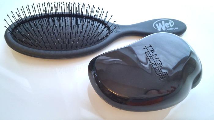 Beauty Battle: The Wet Brush vs Tangle Teezer