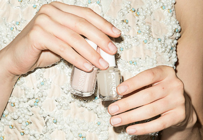 nude nail trends, nude nails, modern french manicure, dipped nails