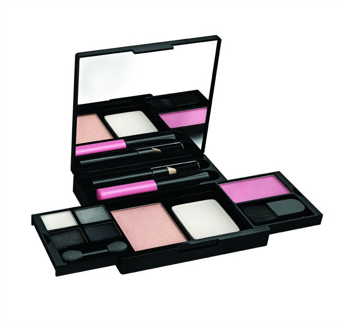 For the first time ever…Maybelline Holiday Kits!!