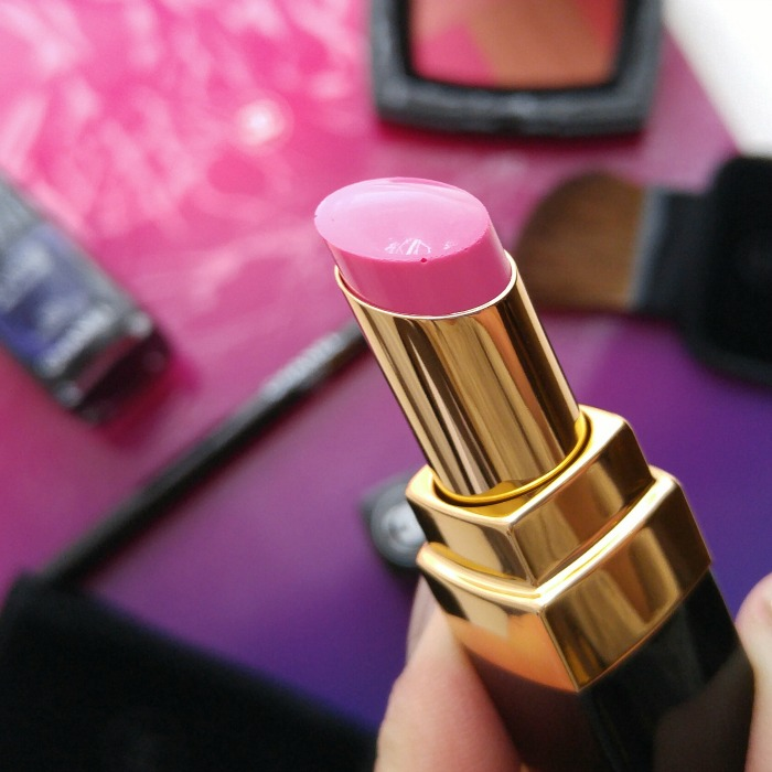 Chanel Makeup Spring 2016, Toronto Beauty Reviews, Rouge Coco Shine, Mighty, pink lipstick, sheer lipstick