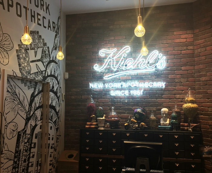 Kiehl's Eaton-Centre Grand Opening // Toronto Beauty Reviews