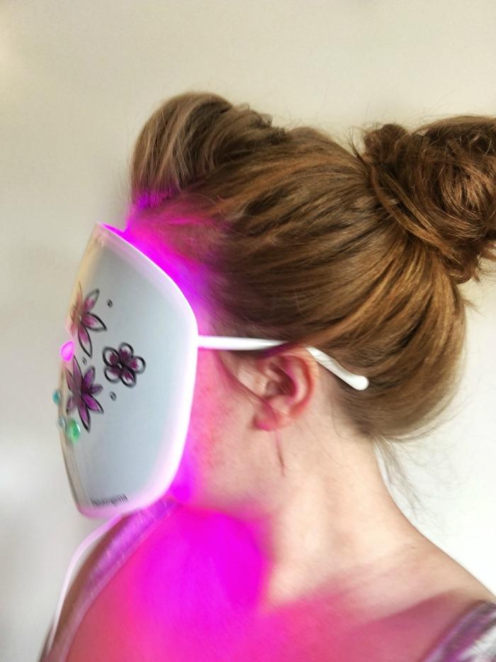 Neutrogena Light Therapy Acne Mask   Toronto Beauty Reviews