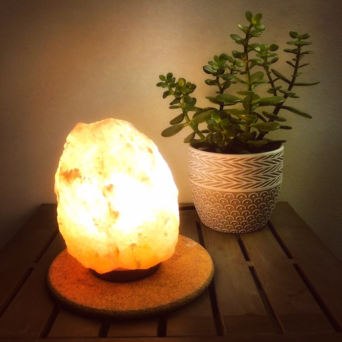 New Launches and Fall Favourites 2018 - Earth Luxe Salt Lamp | Toronto Beauty Reviews